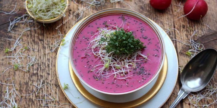 Rettich-Radieschen-Suppe mit schwarzem Sesam und Sprossen