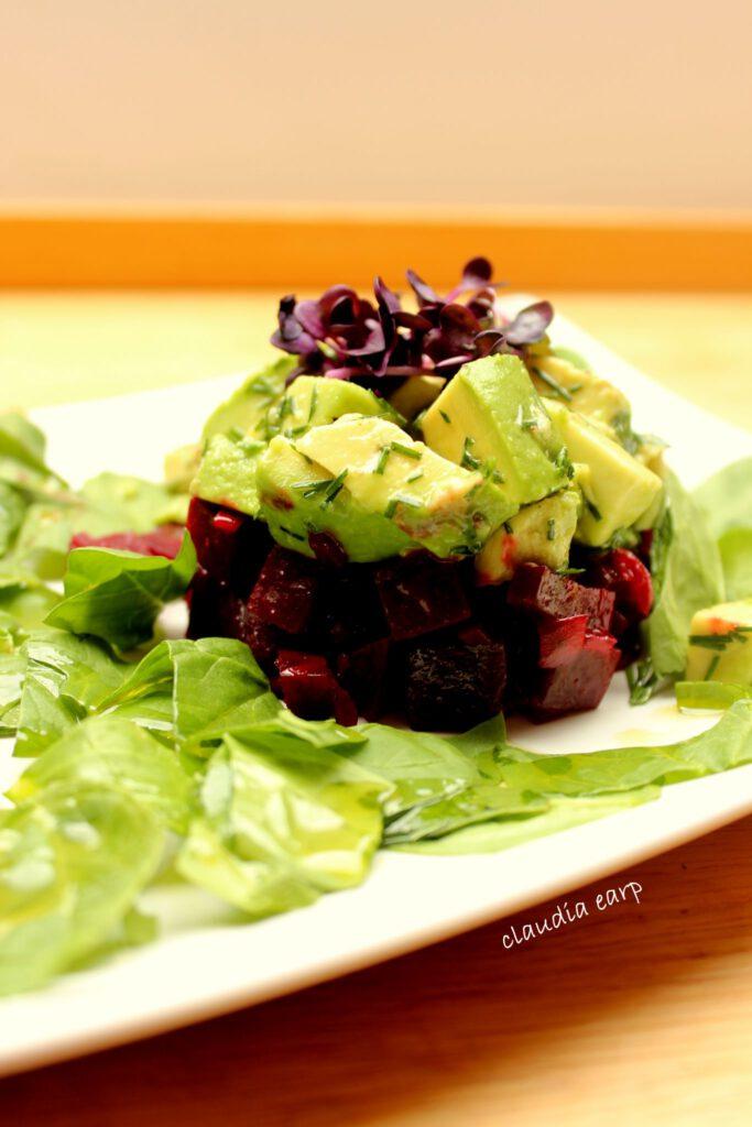 Avocado und Rote-Bete