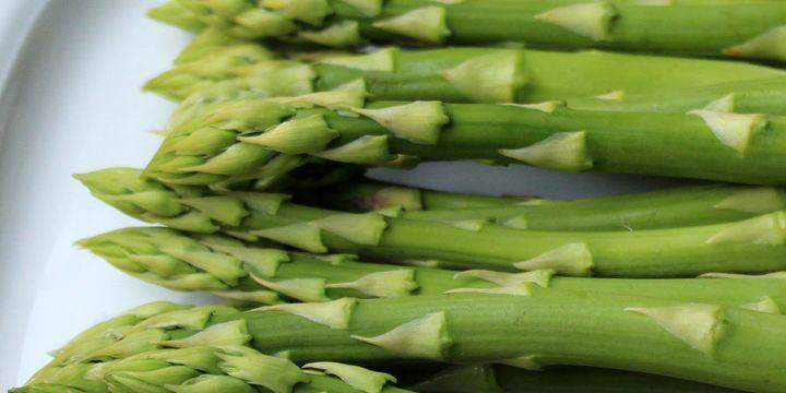 Grüner Spargel aus dem Ofen – schnell und lecker