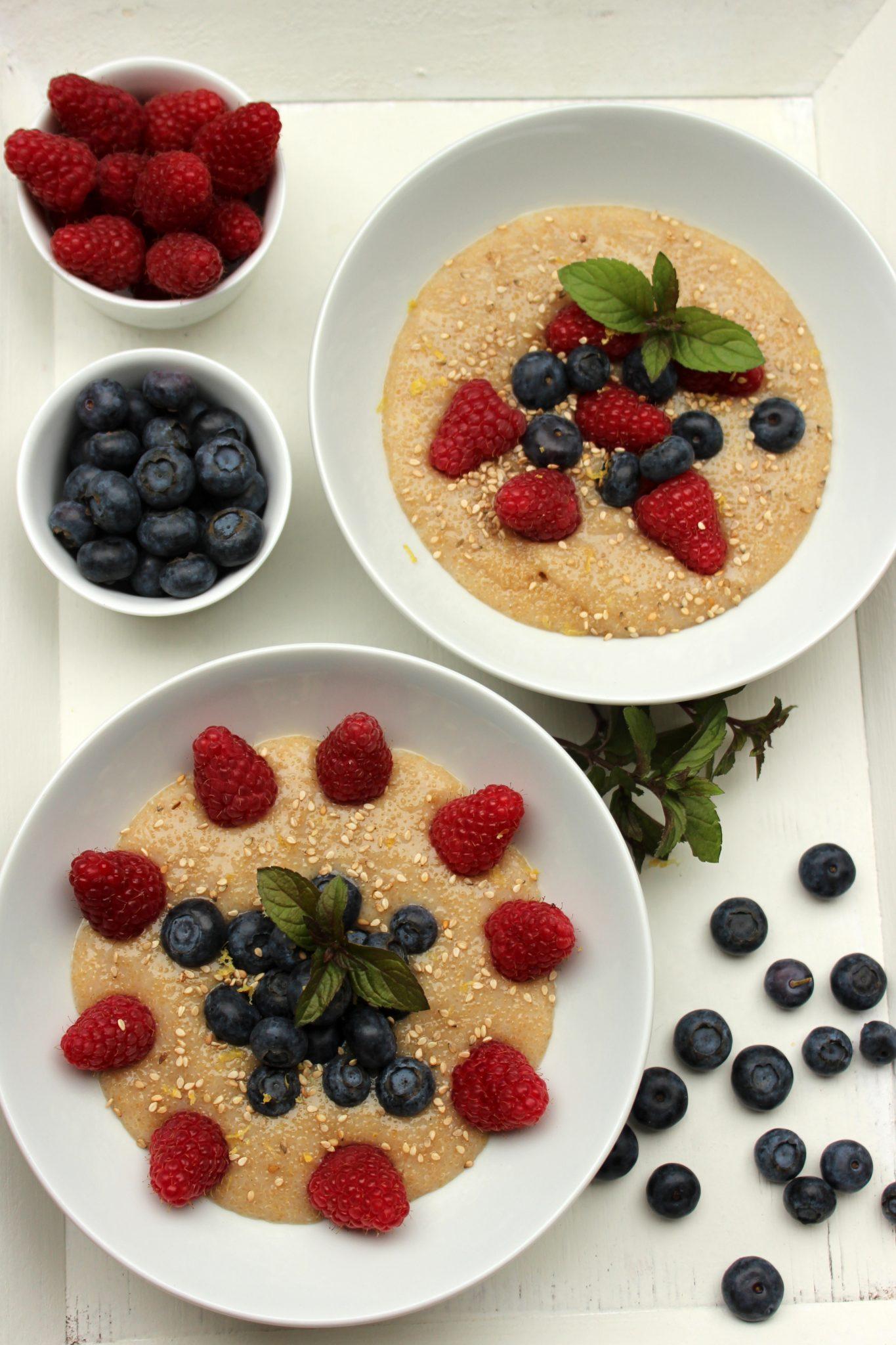 Amaranth-Frühstück mit Power-Beeren