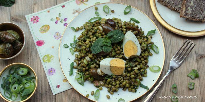 Mungobohnen-Salat mit Minze und Oliven