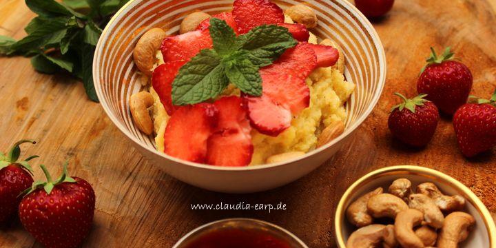 Frühstück: Süße Polenta mit sommerlichem Obst