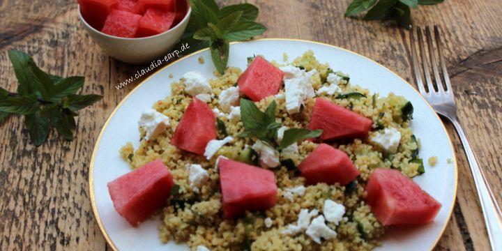 Sommerlicher Couscous-Salat mit Wassermelone und Feta
