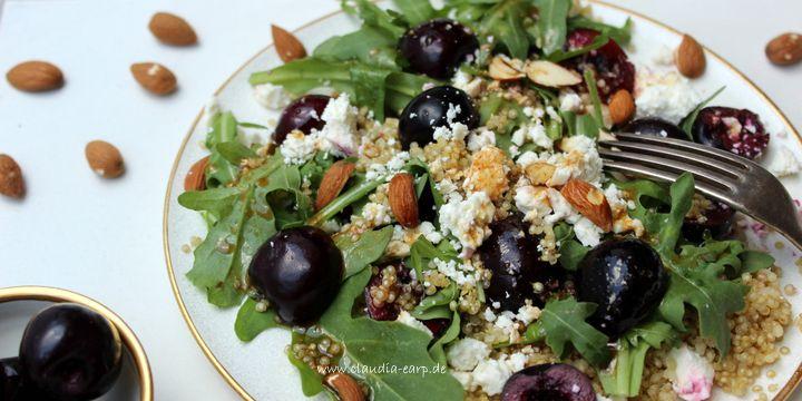 Quinoa-Kirsch-Rucola-Salat mit Balsamico-Vinaigrette
