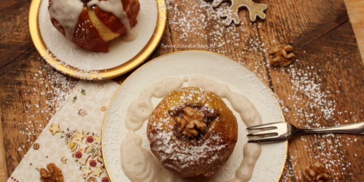 Winterlicher Bratapfel mit veganer Vanillesauce