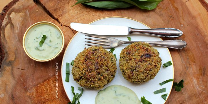 Bärlauch-Quinoa-Bratlinge mit würzigem Avocado-Joghurt-Dip