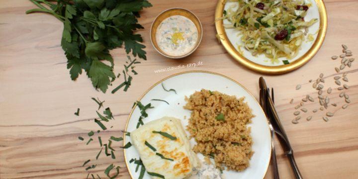 Gebratener Halloumi mit Couscous und Spitzkohlsalat