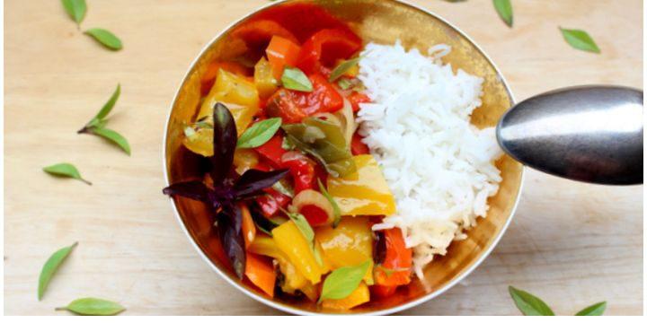 Paprika-Zucchini-Karotten-Gemüse mit Basmati Reis