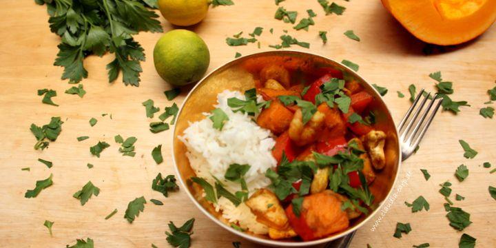 Asiatische Kürbis-Lachs-Garnelen-Pfanne