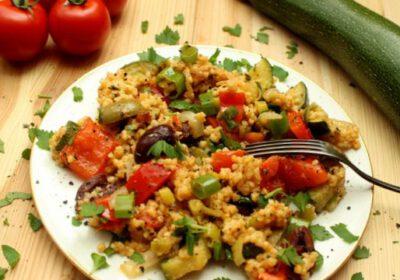 Ein Salat für die Schönheit – Hirse, Paprika und Zucchini